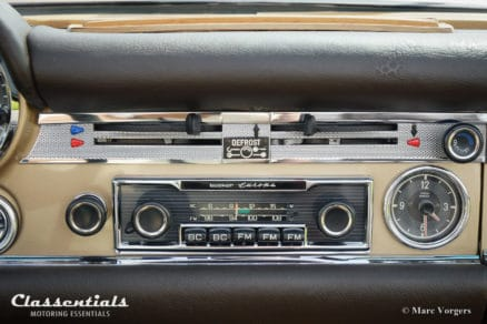 Becker-Europa-autoradio-classic-car-Mercedes-Benz-Pagode-vintage-original-auto-radio-classentials-motoring-essentials