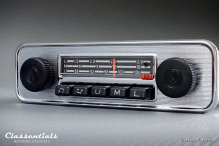Blaupunkt Mannheim L 1972 VW Volkswagen Beetle Kafer Kever Coccinelle metal dashboard Vintage Original Classic Car Auto Radio 1968 - 1973. MP3 and Bluetooth Ready autoradio, oldtimer, classentials, motoring, essentials, auto, classic, car, accessory, accessories