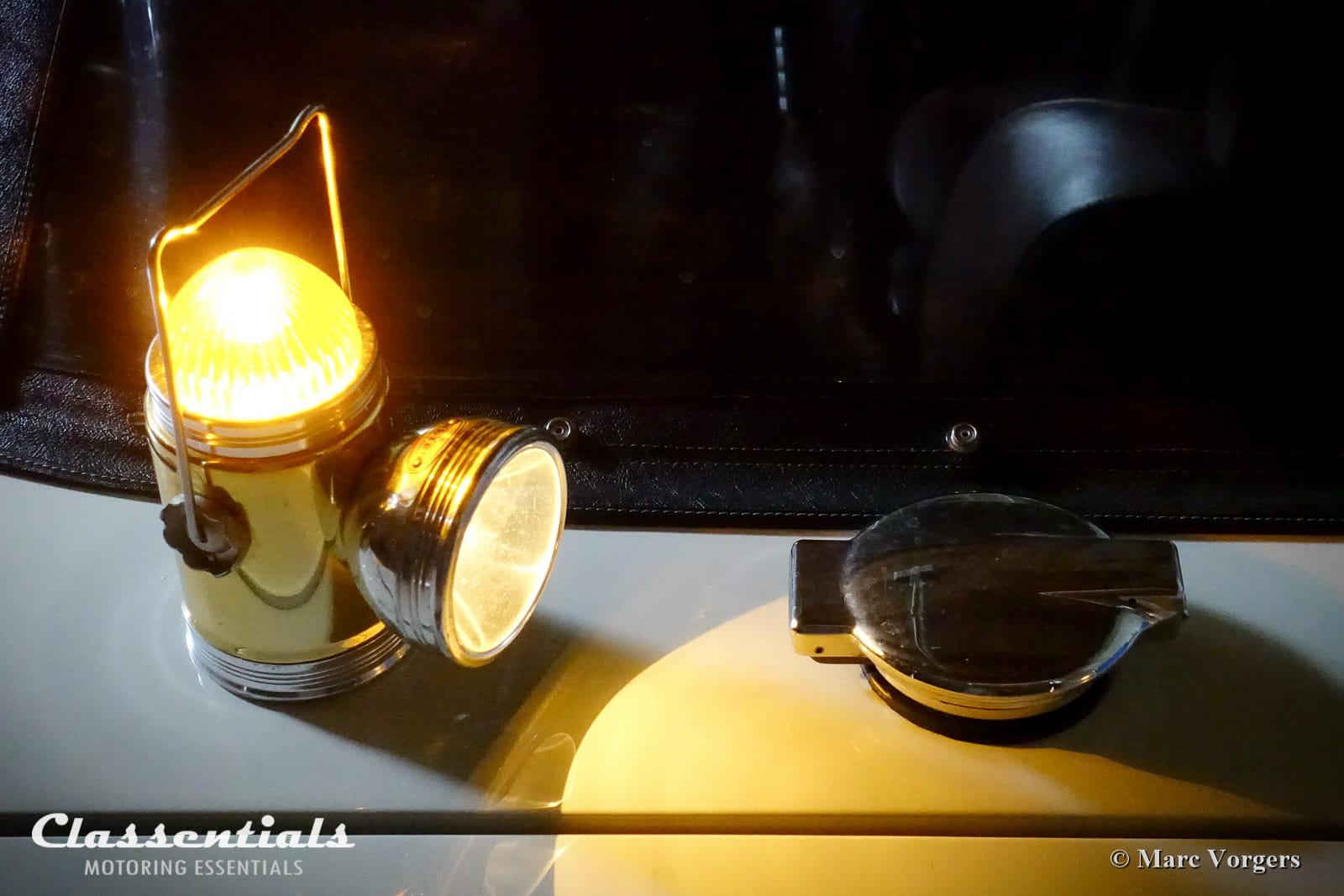 Ultra Rare 1950s 1960s Meyer Roeco Portable Lantern Flashing