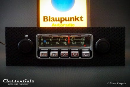 Blaupunkt Karlsruhe 1972 Very Rare 108 Mhz Vintage Original High-End Classic Car Auto Radio for Porsche 911 / 912 F-Series Cars 1968 - 1973 (Green Lettering!) - MP3 and Bluetooth Ready classic car oldtimer autoradio classentials motoring essentials accessory accessories