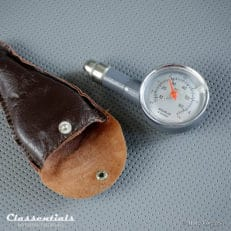 Vintage Original MotoMeter 1960s - 1970s Tyre Pressure Meter / Gauge - EXCELLENT - in Original Leather Pouch Classentials motoring essentials classic car oldtimer accessories accessory