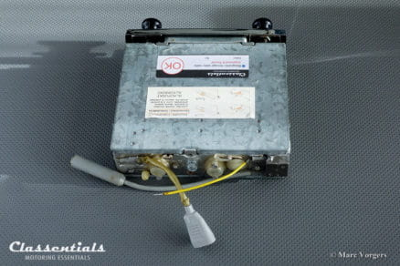 Blaupunkt Frankfurt Y 1967 ULTRA RARE Vintage Original High-End Classic Car Auto Radio for Aston Martin DB4 / DB5, Jaguar Mk II, E-Type S2, Ferrari and Others, INCLUDING Classentials Bluetooth Module MP3 oldtimer autoradio motoring essentials accessory accessories