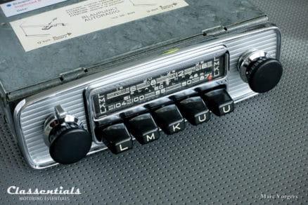 Blaupunkt Frankfurt 1970 Rare Vintage Original High-End Auto Radio for Alfa Romeo, Austin Healey, BMW / Glas, Jaguar, Triumph TR, Volvo and Others 1962 - 1973, INCLUDING Classentials De Luxe Bluetooth Module classic car oldtimer autoradio motoring essentials accessory accessories