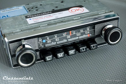 Blaupunkt Frankfurt 1972 Vintage Original High-End Auto Radio for Alfa Romeo, Fiat, Lancia, Jaguar, Triumph, Volvo & Others 1968 - 1974, INCLUDING Classentials De Luxe Bluetooth Module classic car oldtimer autoradio motoring essentials accessory accessories