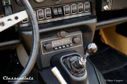 Blaupunkt Bluespot Frankfurt 7630 7631 7632 vintage original classic car auto radio oldtimer Jaguar E-type XK-E Series 3 Classentials motoring essentials