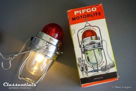 ULTRA RARE 1950s / 1960s PIFCO MOTORLITE Portable Lantern / Flashing Warning Lamp Classic Car Accessory classentials motoring essentials classic car oldtimer accessory accessories
