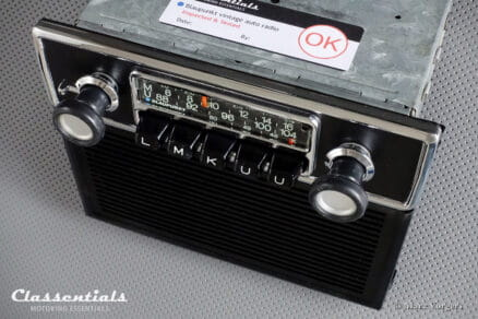 Blaupunkt Frankfurt 1972 Vintage Original High-End Classic Car Auto Radio for BMW 02-Series E10 Sedan / Touring / Ti / Tii / Baur Models 1966 - 1974 with Console Front and Speaker