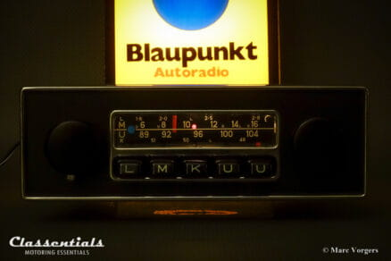 Blaupunkt Frankfurt 1972 Vintage Original High-End Classic Car Auto Radio for Jaguar E-type Series 2, Series 3, and Other Cars of the Period 1970 - 1975