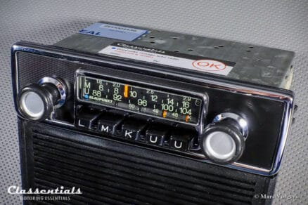 Blaupunkt Frankfurt 1972 Vintage Original High-End Classic Car Auto Radio for BMW 02-Series E10 Sedan / Touring / Ti / Tii / Baur Models 1966 - 1974 with Console Front and Speaker!